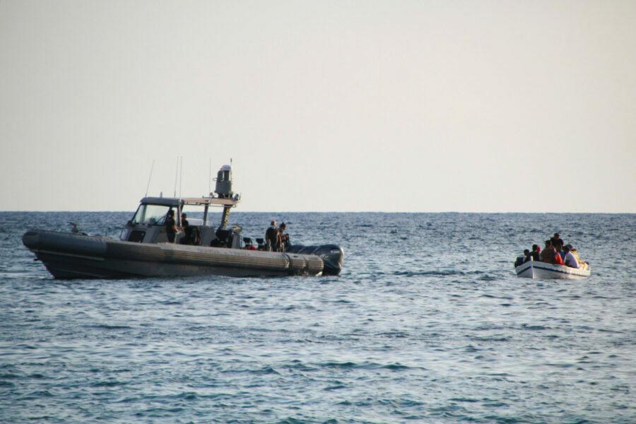 Lampedusa punti di vista di chi approda e di chi accoglie